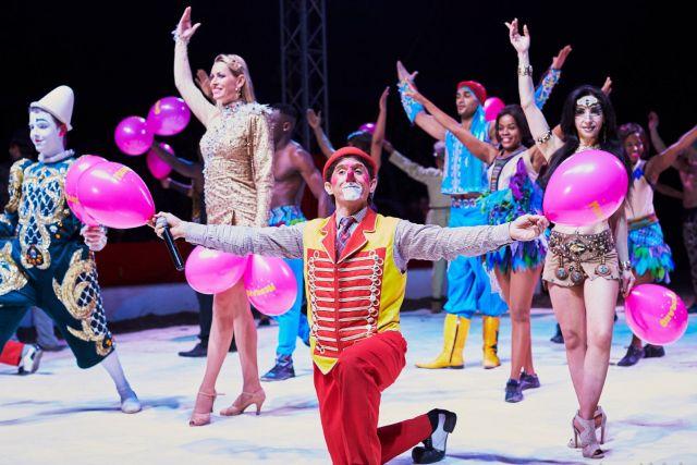 des-acrobaties-de-la-voltige-des-clowns-et-des-etoiles-le-cirque-medrano-propose-un-spectacle-familial-photo-pierre-michel-1583694984